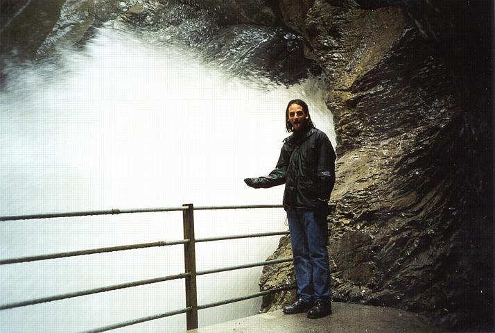 شلالات تروميل باخ Trummelbach Falls 2trummel_jon.jpg